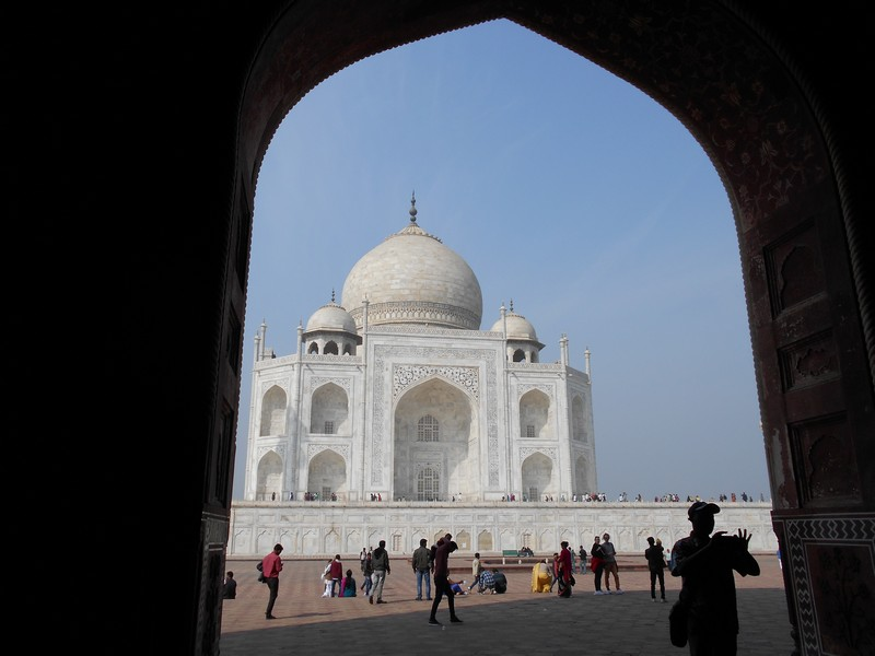 Taj Mahal is one of the most crowded places I have visited during these months. Probably because it is one of the world's wonders.