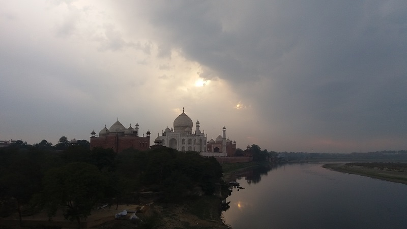 """If you have read the previous post about my stay in Agra, you know that I am a volunteer in India as a """"guide"""" to Taj Mahal."""