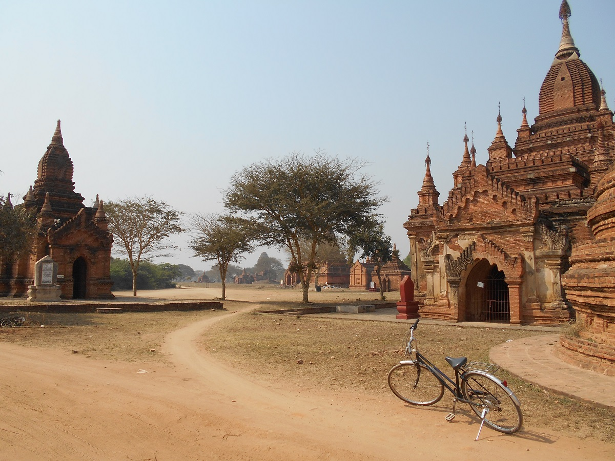 On my last day, I was cycling around Bagan, Myanmar, I was alone, so I decided to rent a bike instead of an e-bike. Riding a bike is much harder but I'm not confident enough to ride this e-bike alone.