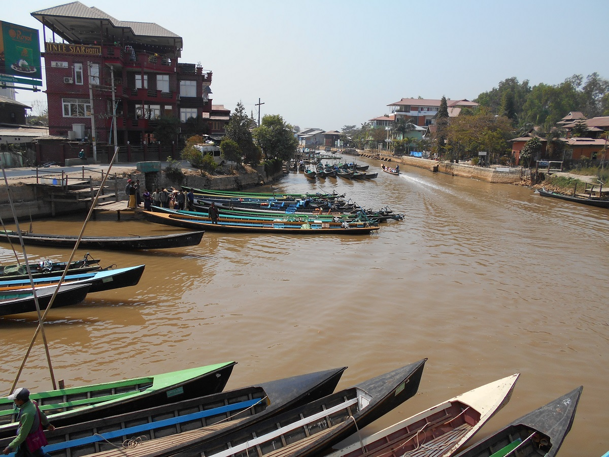 Getting from Bagan to Inle Lake by bus