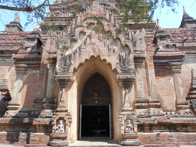 There are more than 2000 Bagan temples, so the chance of not visiting them all is very high. You need to select the most important ones.