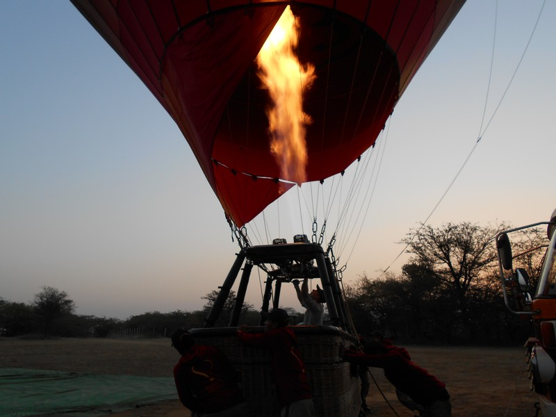Before going on this trip, I had already decided that I would ride this Bagan hot air balloon. On my search about it, the reviews were too good.