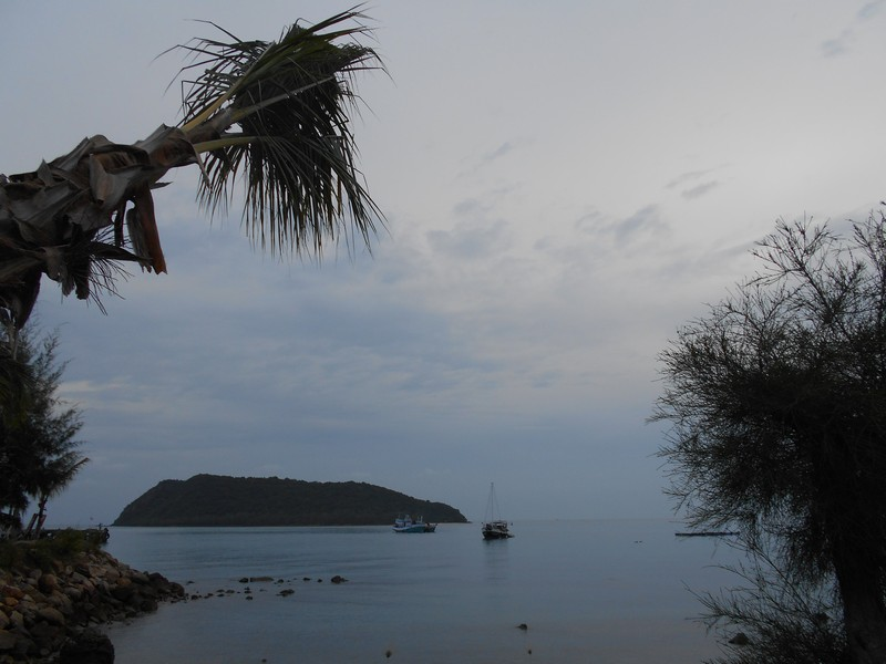 I came to Koh Phangan with interest in participating in the Full Moon party, and I did, but I also wanted to explore the Island