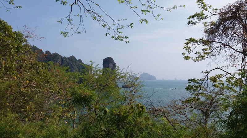 There is plenty of things to do in Krabi, but on my first day I will be laying at the beach and had planned to not do much. I was staying in Ao Nang