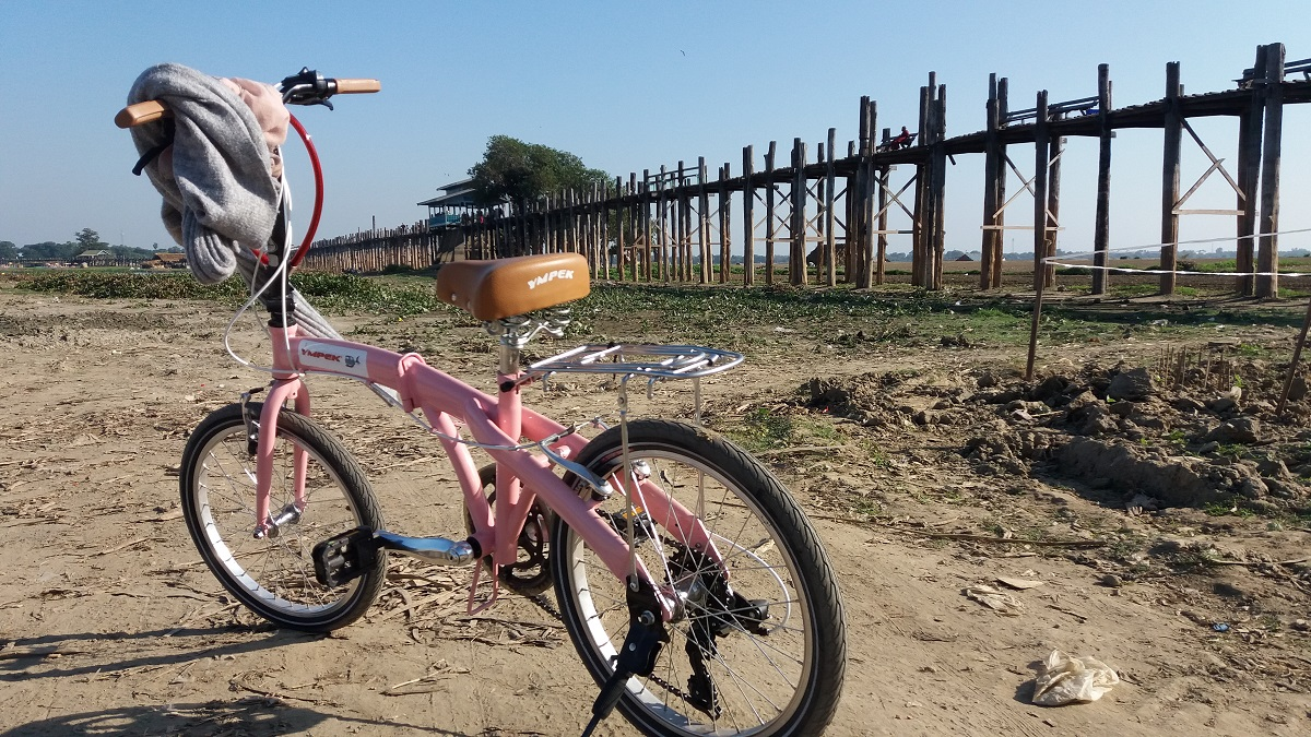 Going by bicycle from Mandalay to U-Bein bridge