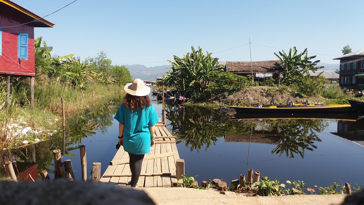 This is my second time at Nyaung Shwe, but I'm visiting different areas in town. This day I decided to go on Inle Lake west corridor road.
