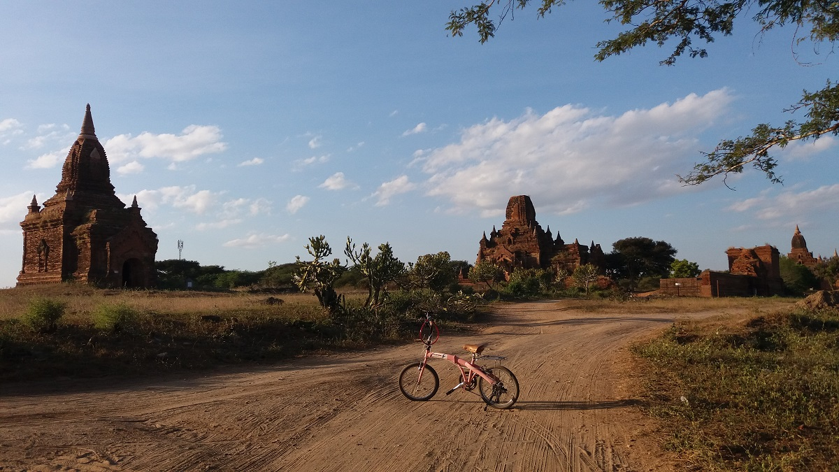 It's true that I have been in Bagan already and that riding a bicycle among the Bagan temples the first time was one of my favorite experiences.
