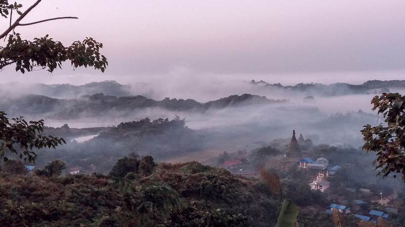 Magical sunrise and sunset in Mrauk-U