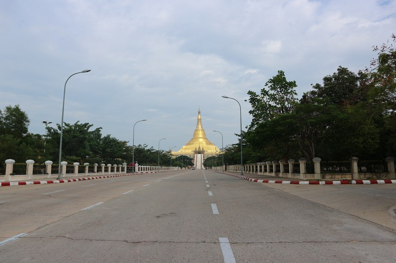 I get from Yangon to Naypyidaw by bus and reach the capital of Myanmar at night, about 10 pm. As usual, I am the only foreigner on that bus, but that was expectable