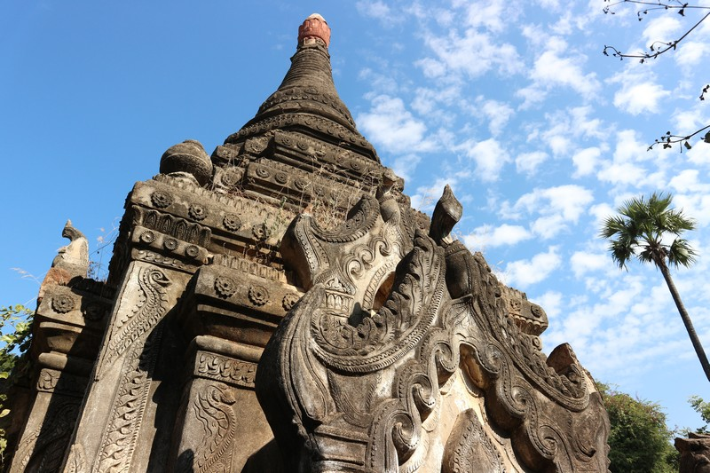 There is an undiscovered Myanmar place near Monywa and that's where I'm heading: AMyint ruins.