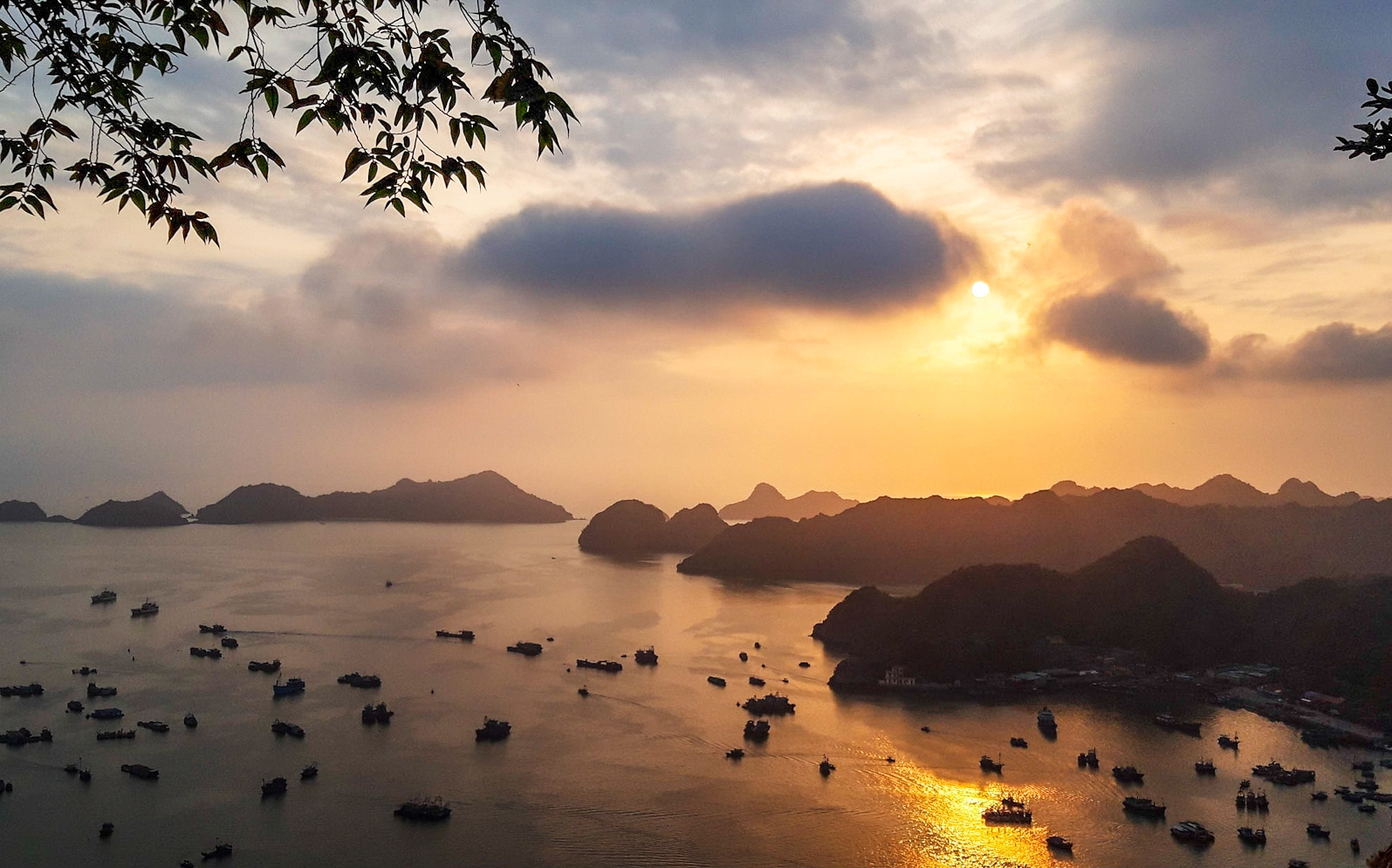 Halong Bay tour from Cat Ba Island