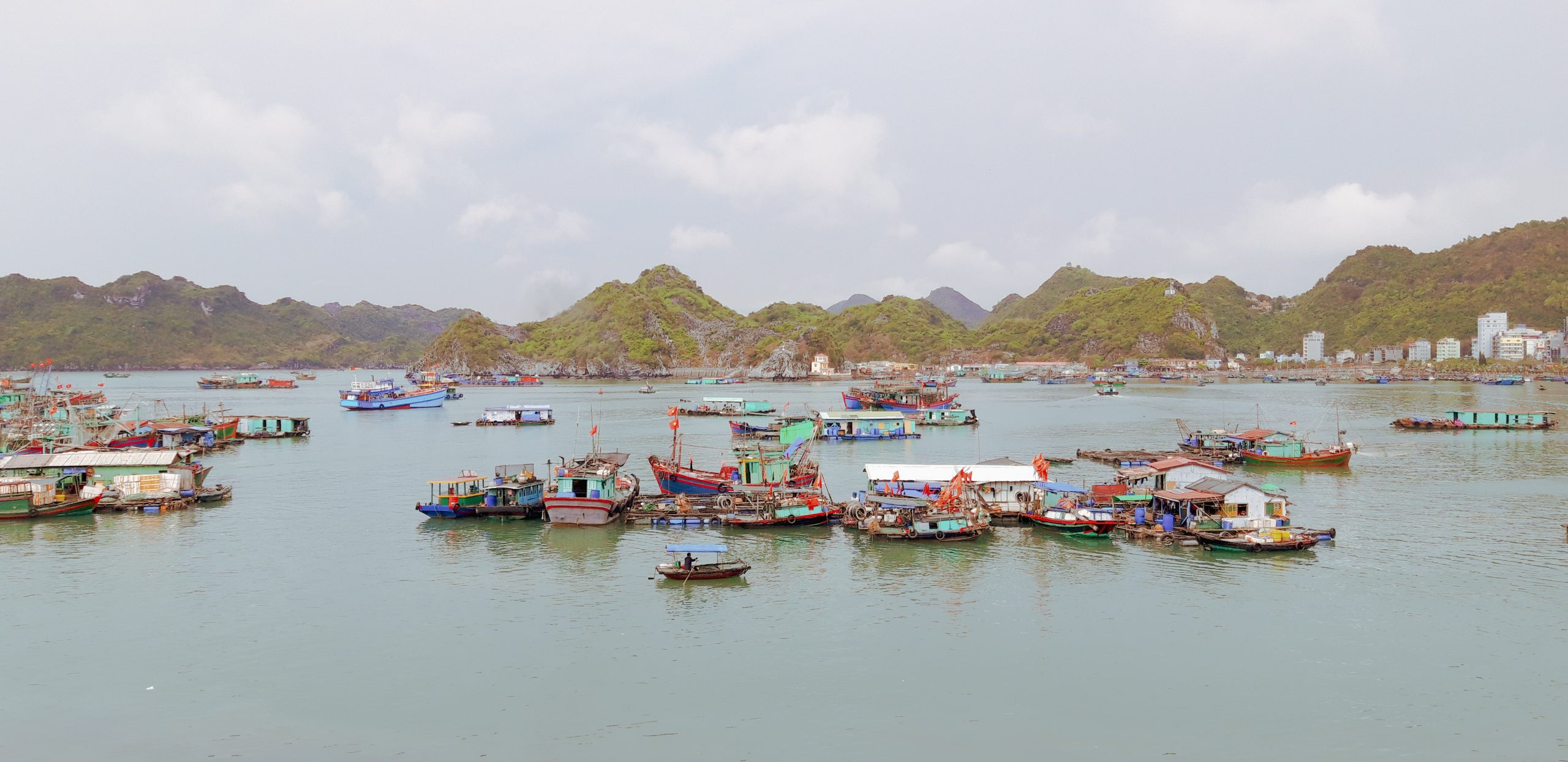 Exploring Cat Ba Island on foot
