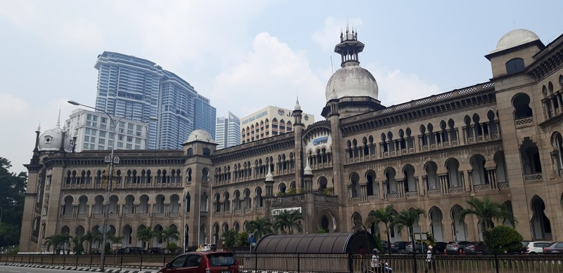 While in Kuala Lumpur I had time to visit the most known attractions like the Batu Caves, Kuala Lumpur mosque, and also to wander around the streets and feel the vibe of the city.